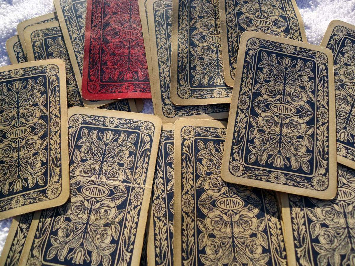 Gypsy Fortune Telling Cards: Back